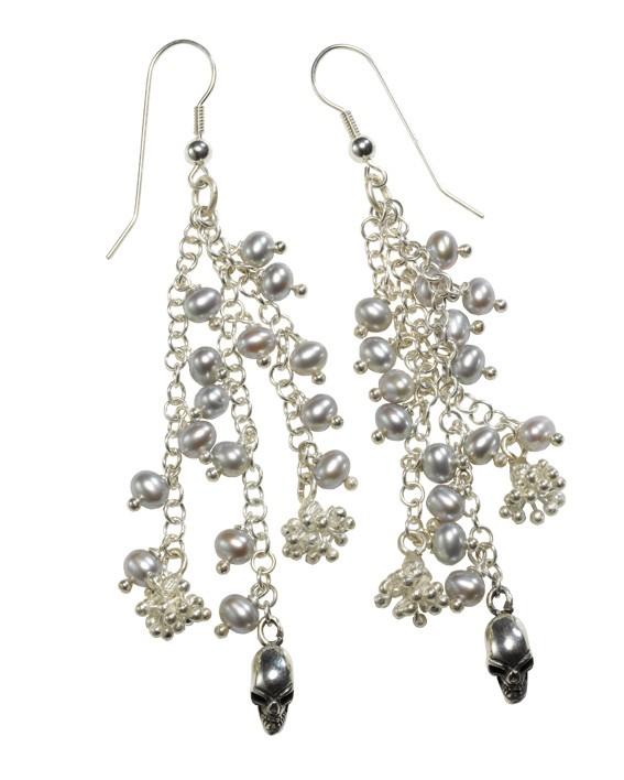 Skulls on Pearls